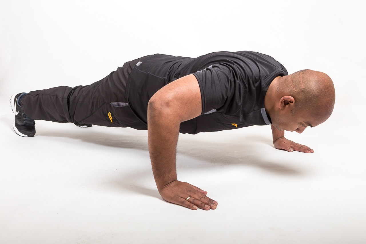 Quali muscoli lavorano con le pompe?
